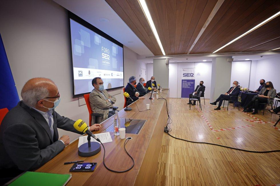 Foro Ser Cantabria se ha desarrollado desde el colegio de médicos de Cantabria con aforo limitado por la pandemia.