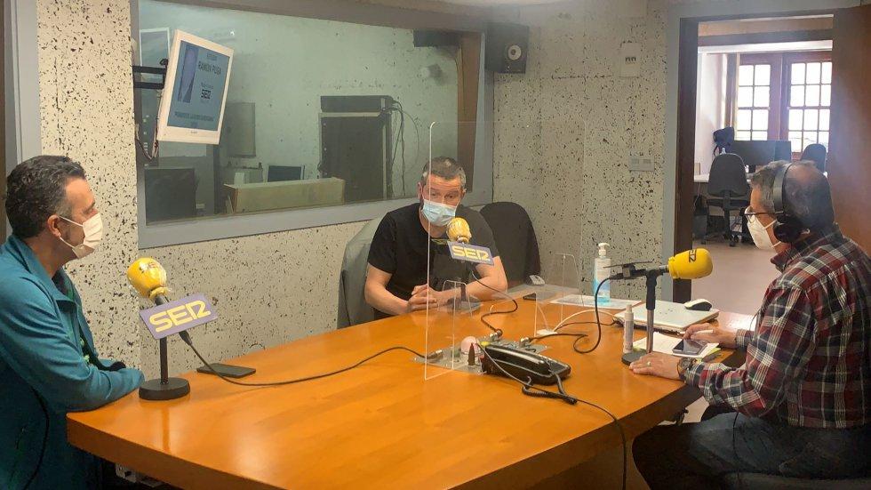Pepe González,.Fernando Currás (Entrenador de la U.D.Ourense) y Ángel Fidalgo (Delegado de la Federación Gallega de Atletismo en Ourense).