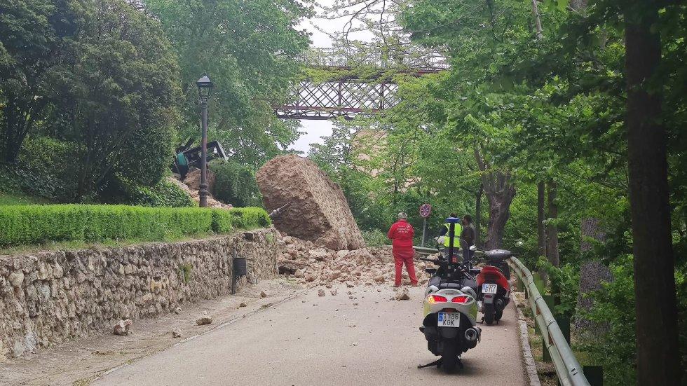Las imágenes del derrumbe de la calle Canónigos