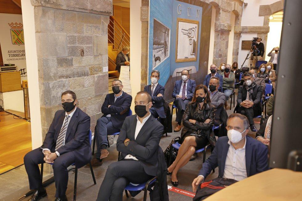 Asistantes a Besaya Futura que se ha celebrado en la sala Mauro Muriedas de Torrelavega.