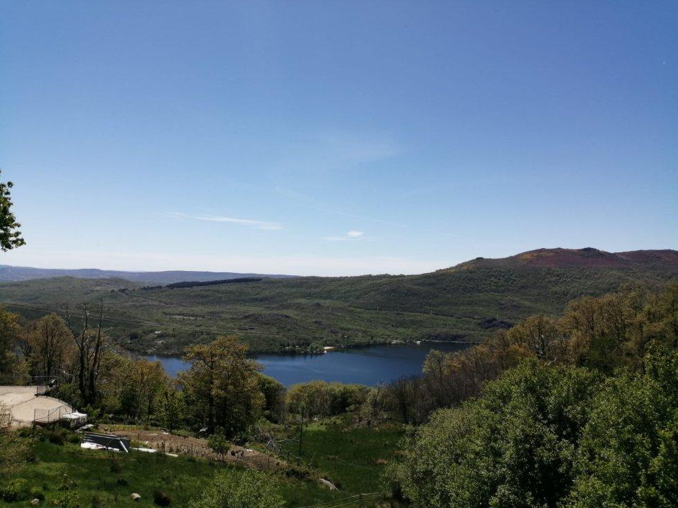 Una vista del Lago de Sanabria desde nuestro emplazamiento