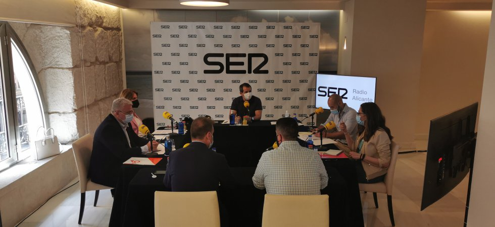 El debate en el ecuador de la legislatura en el Ayuntamiento de Alicante, en imágenes