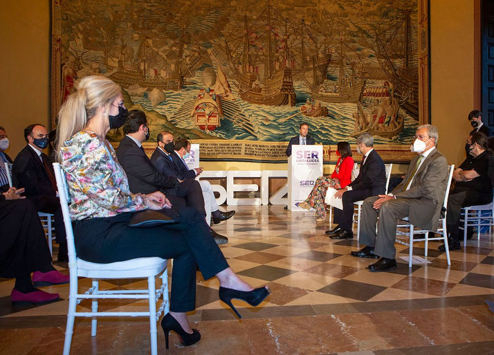 Los protagonistas de las temporadas X y XI durante el acto de presentación en el Real Alcázar de Sevilla