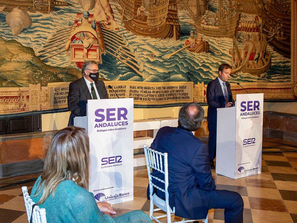 Antonio Yélamo, director de la Cadena SER Andalucía, y Fernando Pérez Moguió, director de La Ventana Andalucía