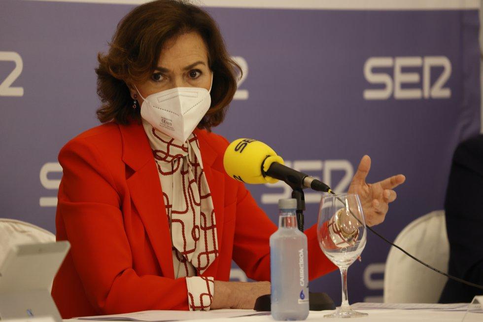 Carmen Calvo, en un momento de su intervención en Foro SER Cantabria.