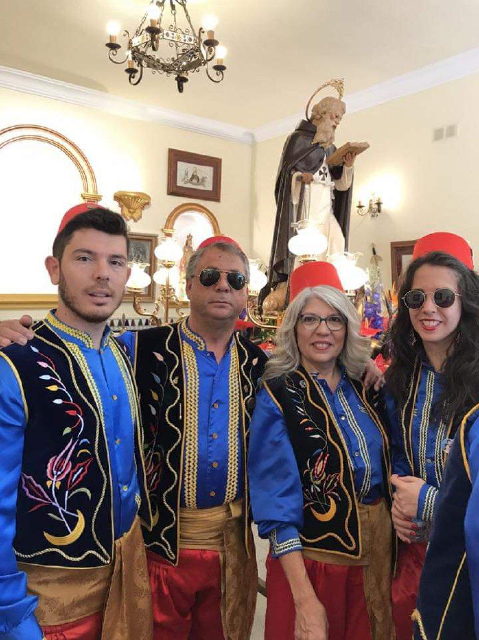 Recuerda tus Moros y Cristianos. Envíanos tus fotos y participa en el concurso de Radio Elda SER y Los40 (II)