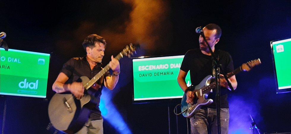 Momento del Escenario Dial con David DeMaria, que presentó su último trabajo, Capricornio, con un concierto íntimo en la terraza del Teatro López de Ayala
