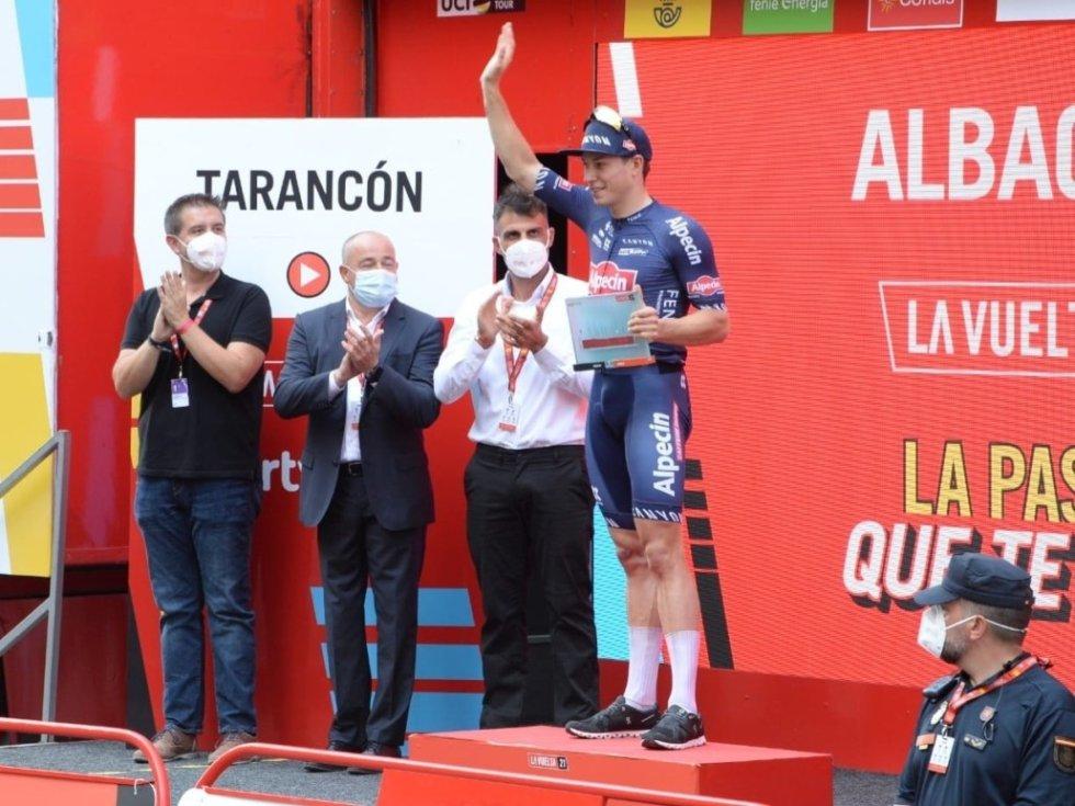 Philipsen celebra su triunfo de etapa