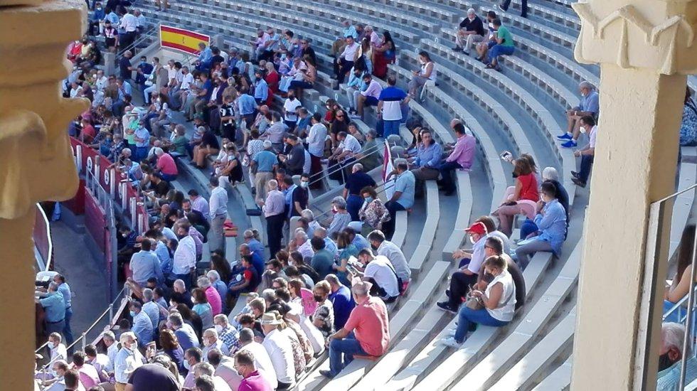 Muchos asientos vacíos en el primer festejo de la Feria Taurina 2021