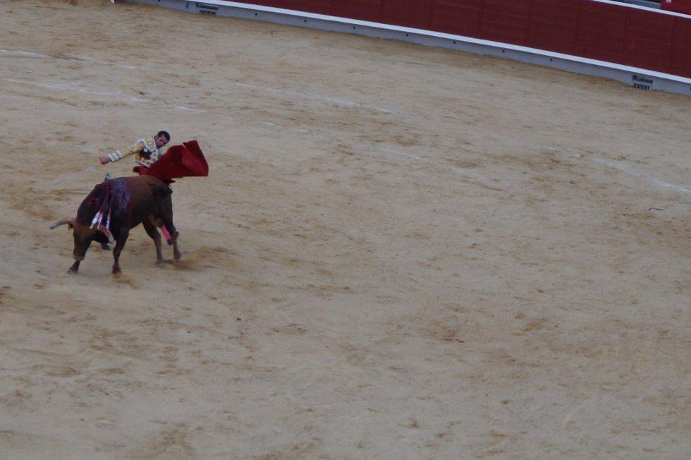 Emilio de Justo, en uno de sus muletazos