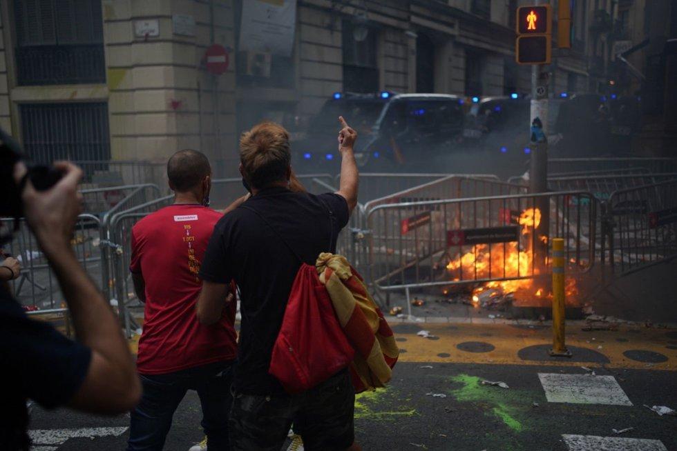 Altercados ante la Jefatura de Policía de Barcelona durante la Diada