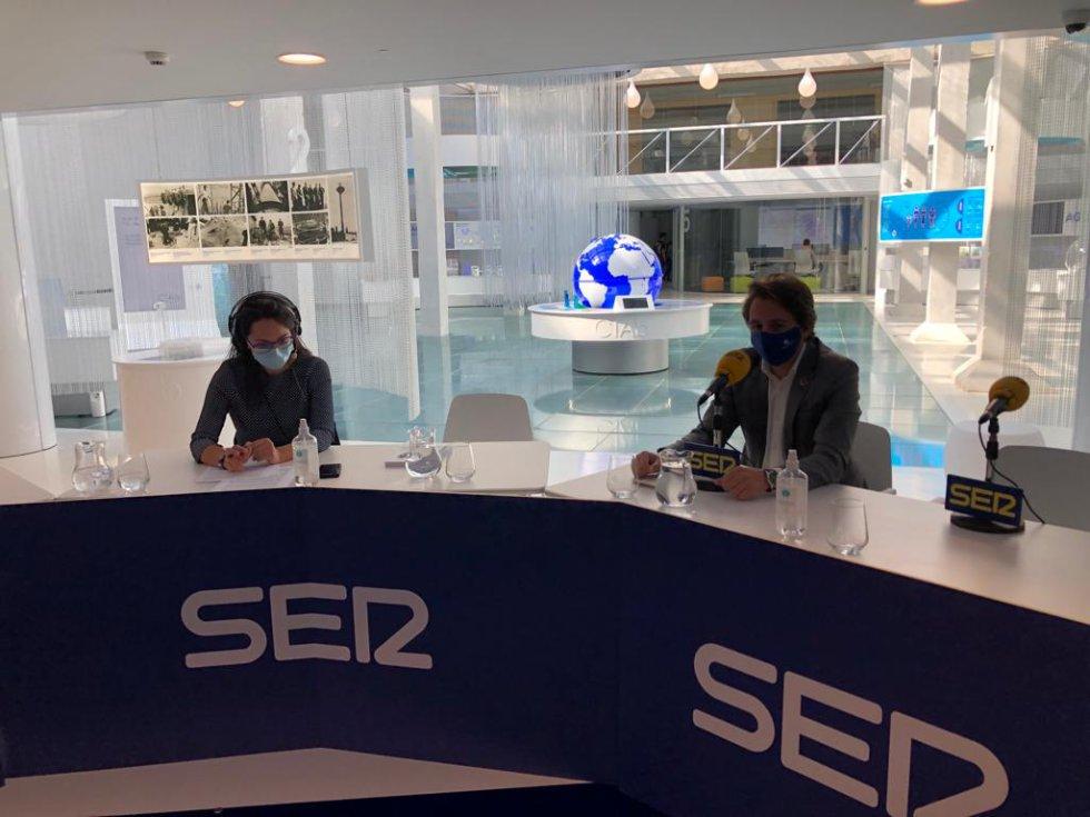 Cristina Castellanos y José Belda, gerente de Aguas de Albacete