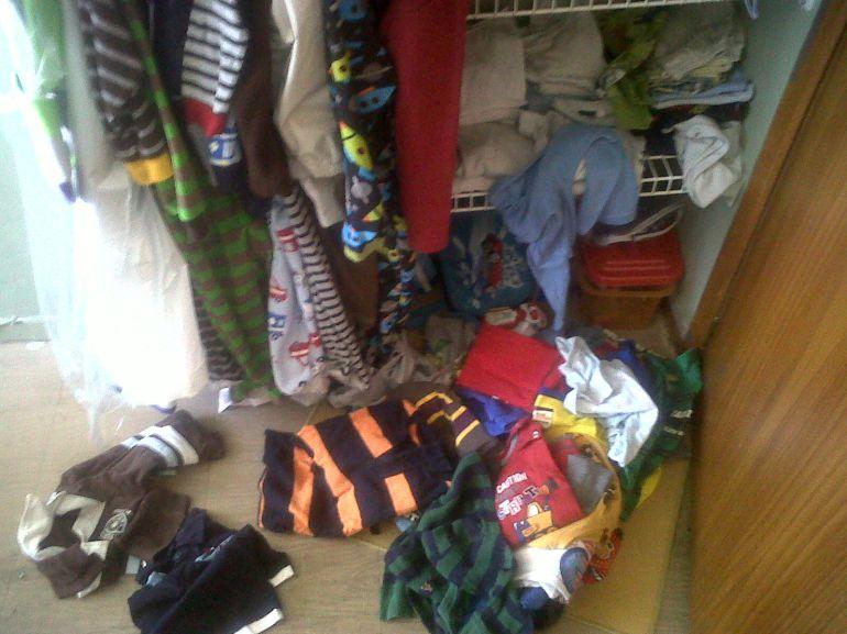 Lo que encontré al limpiar la habitación de mi hijo   Hora