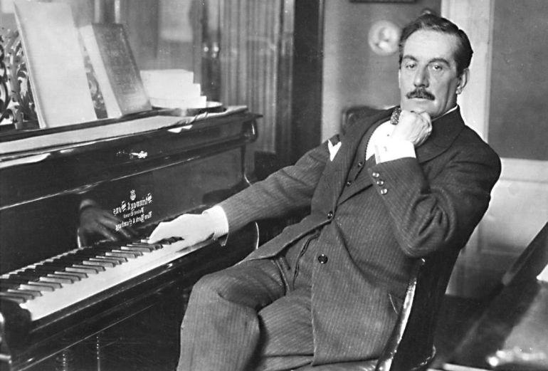 El compositor italiano de ópera Giacomo Puccini.
