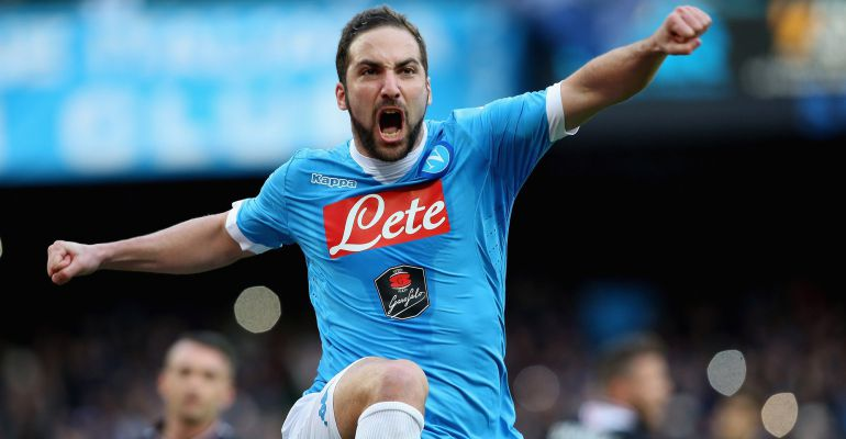 NAPLES, ITALY - FEBRUARY 07:  Gonzalo Higuain of Napoli celebrates the opening goal during the Serie A match between SSC Napoli and Carpi FC