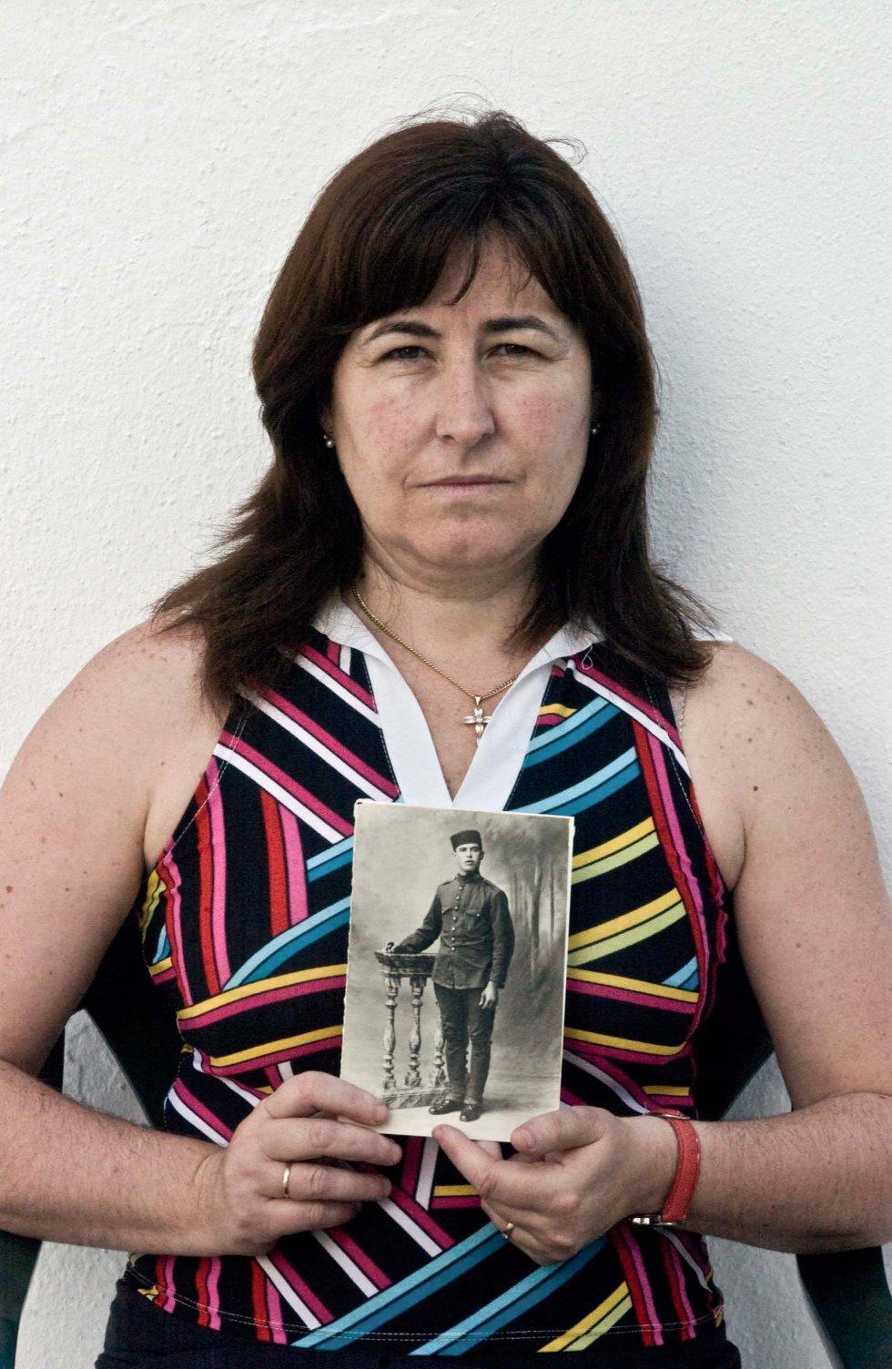 Concepción Natera Hurtado, nieta de Juan Natera García, desaparecido en el verano de 1936 en La Puebla de Cazalla (Sevilla).