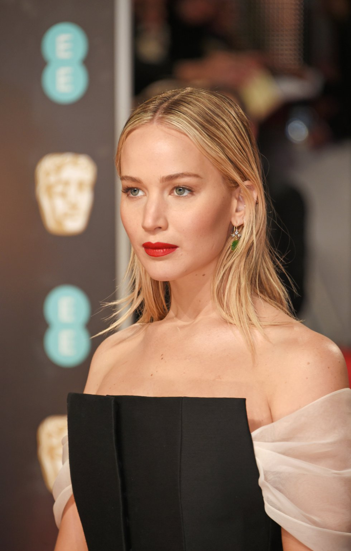 Jennifer Lawrence a su llegada a los Bafta