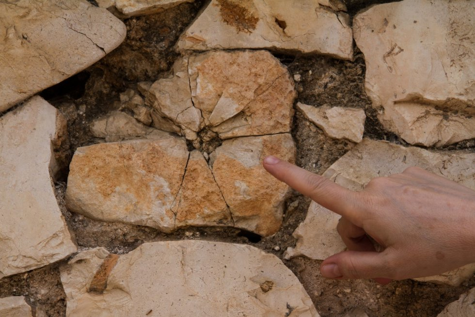 Restos de impacto de bala en el muro del antiguo cementerio civil de Guadalajara.