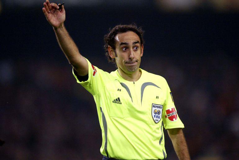 ¿Cuánto mide el árbitro Iturralde González? - Altura 1523056852_542410_1523057587_noticia_normal