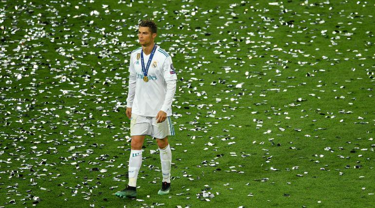 Escucha ¿Ha llegado el momento de vender a Cristiano Ronaldo  en Play SER df05da7900f