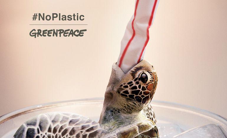 Greenpeace lanza una campaña para dejar de usar pajitas de