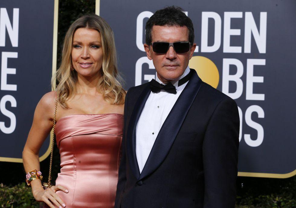 Antonio Banderas, en la imagen junto a Nicole Kimpel. El malagueño no ha ganado el Globo de Oro al que estaba nominado, se lo ha arrebatado Darren Criss.