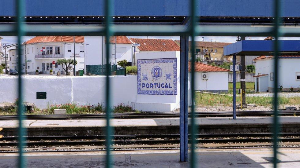 """Coronavirus: La """"vieja aduana"""" donde quedan portugueses y españoles sin cruzar la frontera"""