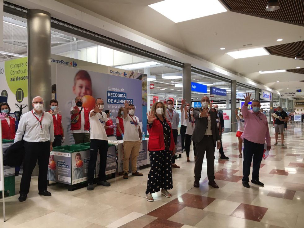 Acción de #KilosDeSolidaridad desde el Carrefour del centro comercial Gran Turia en Xirivella (València).