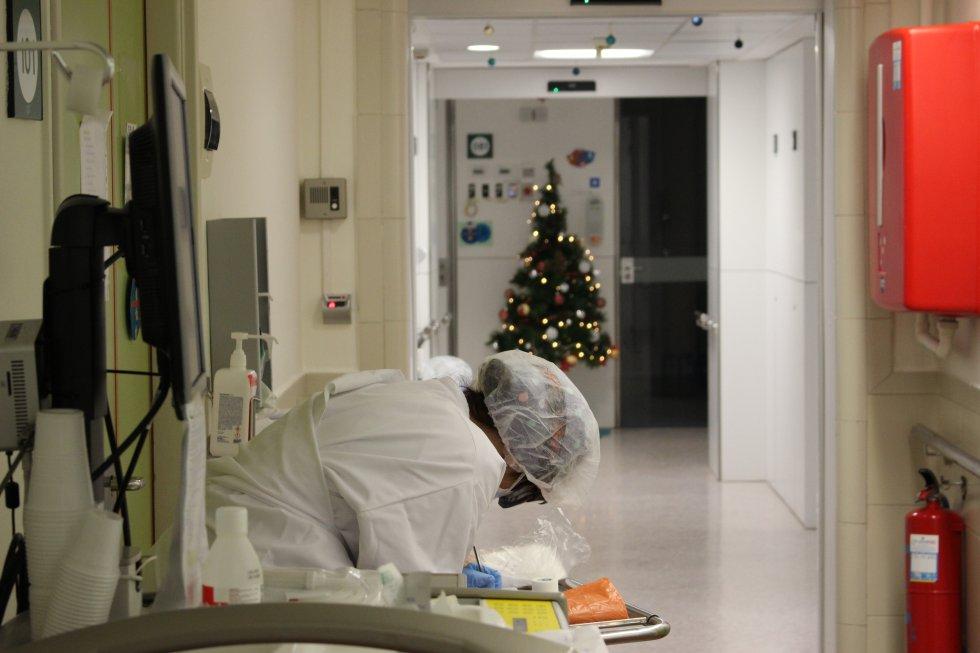 La decoración navideña no falta en el Hospital Clínic de Barcelona