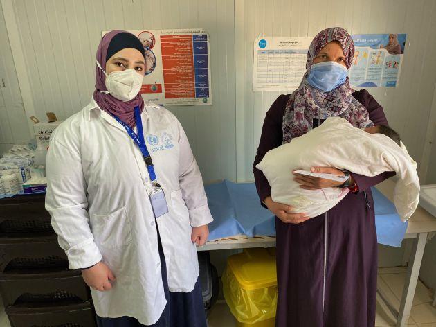 Hayat, la mamá de Mustapha, ha dado a luz en este campo de refugiados a 3 de sus 7 hijos.