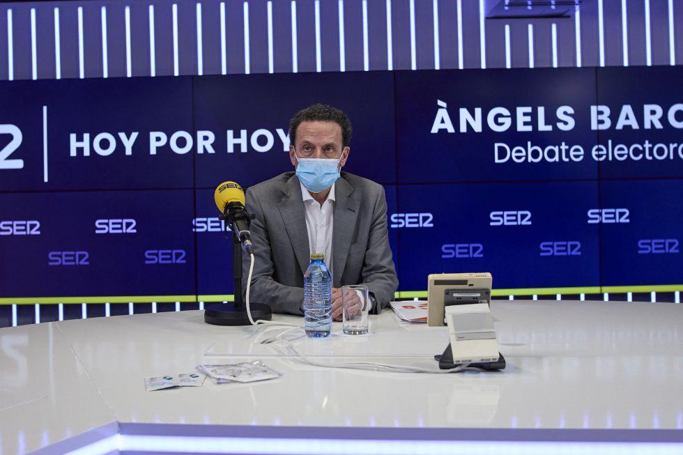"""El candidato de Cs, Edmundo Bal ve un """"error"""" que se levantase la izquierda, """"sin ser capaces de hablar"""" y """"haciéndole el juego a Vox""""."""