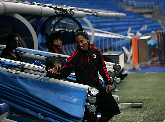 Kaka y Ronaldinho protagonizan el Real Madrid-Milán
