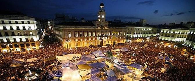 La Puerta del Sol a las 22 horas del viernes
