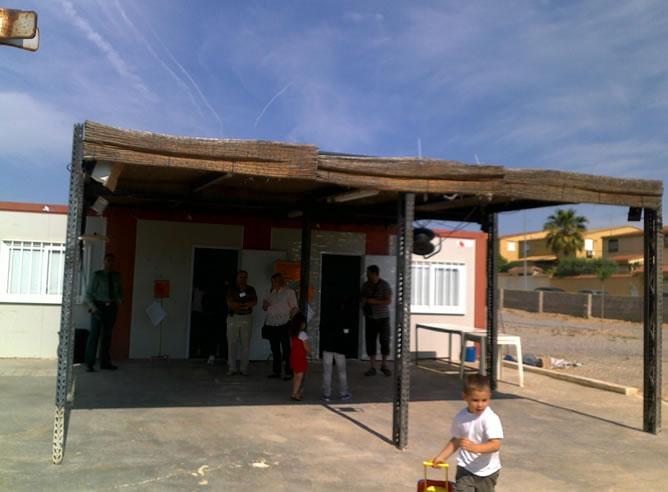 Improvisado colegio electoral en una urbanización de un municipio a 15 km de Valencia, se llama la Pobla Vallbona