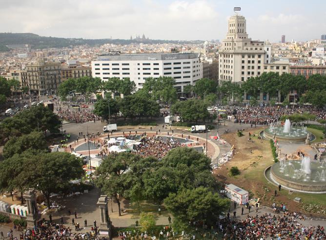 'Indignados' en la plaza Cataluña de Barcelona