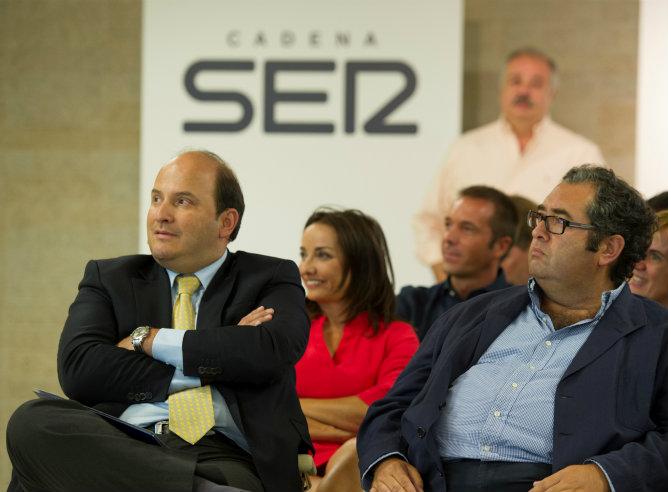 Alejandro Nieto, Pepa bueno y Antonio Hernández Rodicio durante la presentación de la nueva temporada de Cadena SER