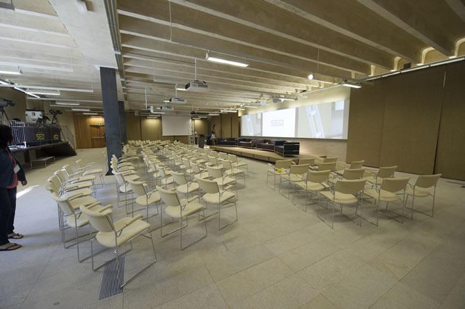 La sala donde se va a desarrollar la presentación de la nueva temporada de la Cadena SER, minutos antes de dar comienzo el acto