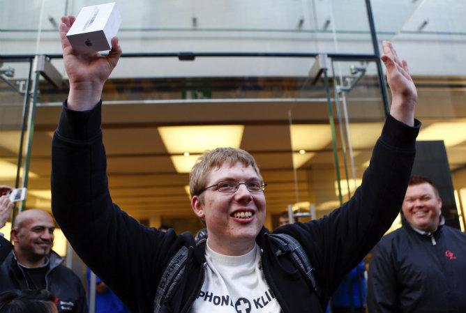 Los primero usuarios del nuevo iPhone