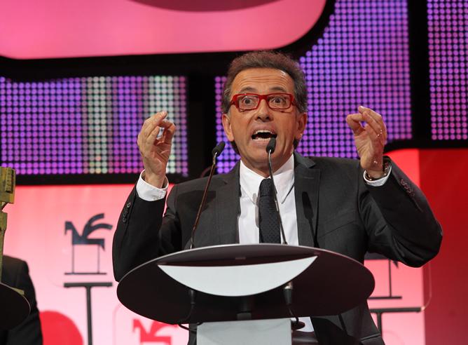 Jordi Hurtado agradece el premio Ondas durante la gala