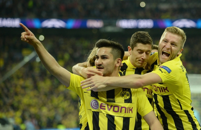 Gündogan celebra el gol del empate de penalti