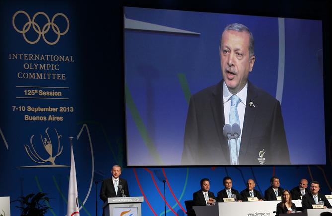 El primer ministro turco, Recep Tayip Erdogan durante su exposición ante los miembros del COI