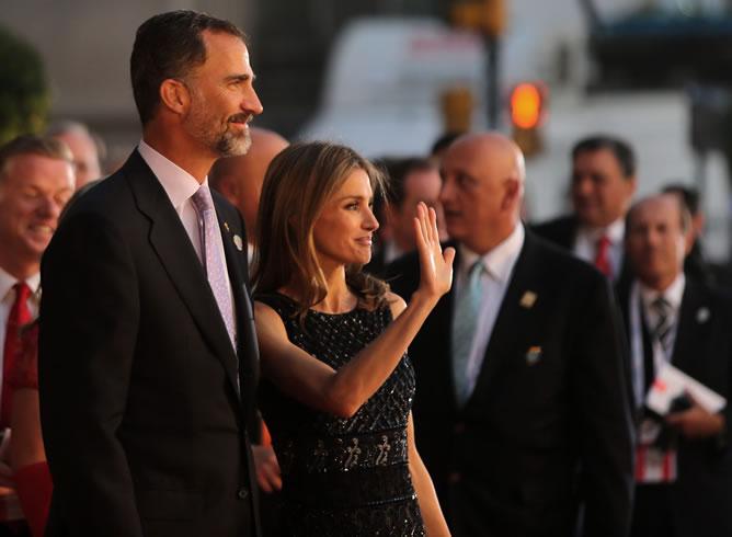 Los príncipes de Asturias asistieron a la ceremonia de apertura de la 125 asamblea del Comité Olímpico Internacional (COI), en el teatro Colón en Buenos Aires (Argentina).