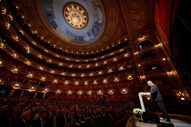 El presidente del Comité Olímpico Internacional, Jacques Rogge, habla durante la ceremonia de apertura de la sesión 125 del COI en Buenos Aires.