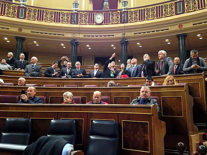 Los ciudadanos sentados en los escaños del Congreso de los Diputados