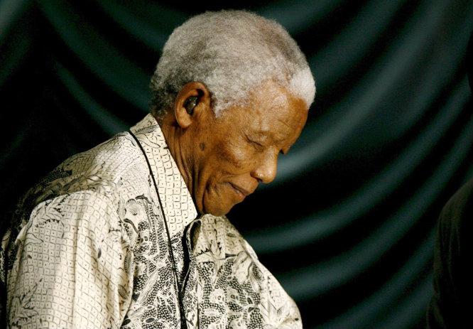 El expresidente sudafricano Nelson Mandela durante la celebración de su 90 cumpleaños en Johannesburgo, África del Sur.