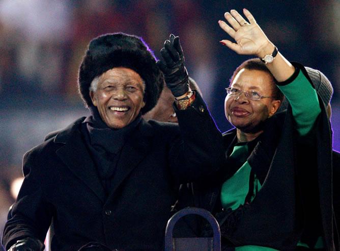 Aparición estelar en el Soccer City del expresidente Nelson Mandela
