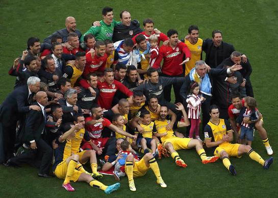 El Atlético celebra el título de Liga con su afición en Neptuno ... 529a2acd57a3c
