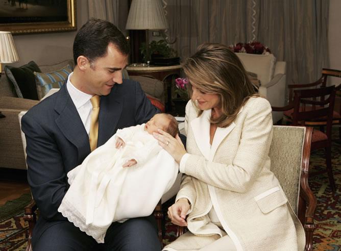 Los príncipes con la infanta Leonor, la primogénita.