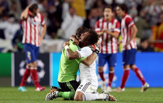 Marcelo y Casillas celebran la Champions