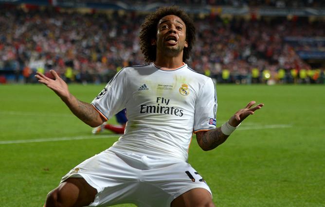 Marcelo celebra su propio gol en el estadio Da Luz.